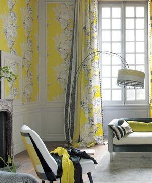 Moderní bytový textil s jasně žlutými prvky