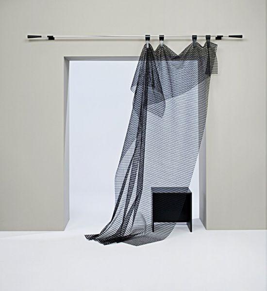 Moderní bytový textil průhledný v černé barvě