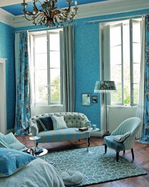 Moderní bytový textil v tyrkysově modrých odstínech