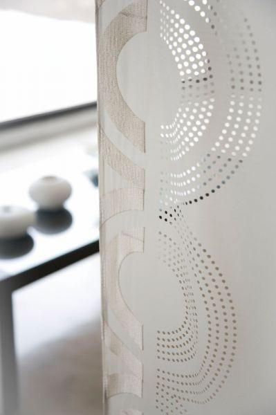Moderní bytový textil v krémové barvě