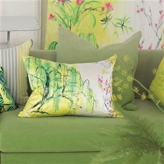 Moderní bytový textil v zelené barvě s přírodním vzorem