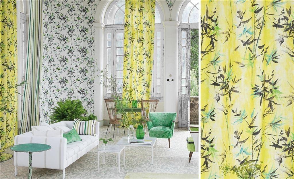 Moderní bytový textil v jasně žluté barvě s přírodním vzorem