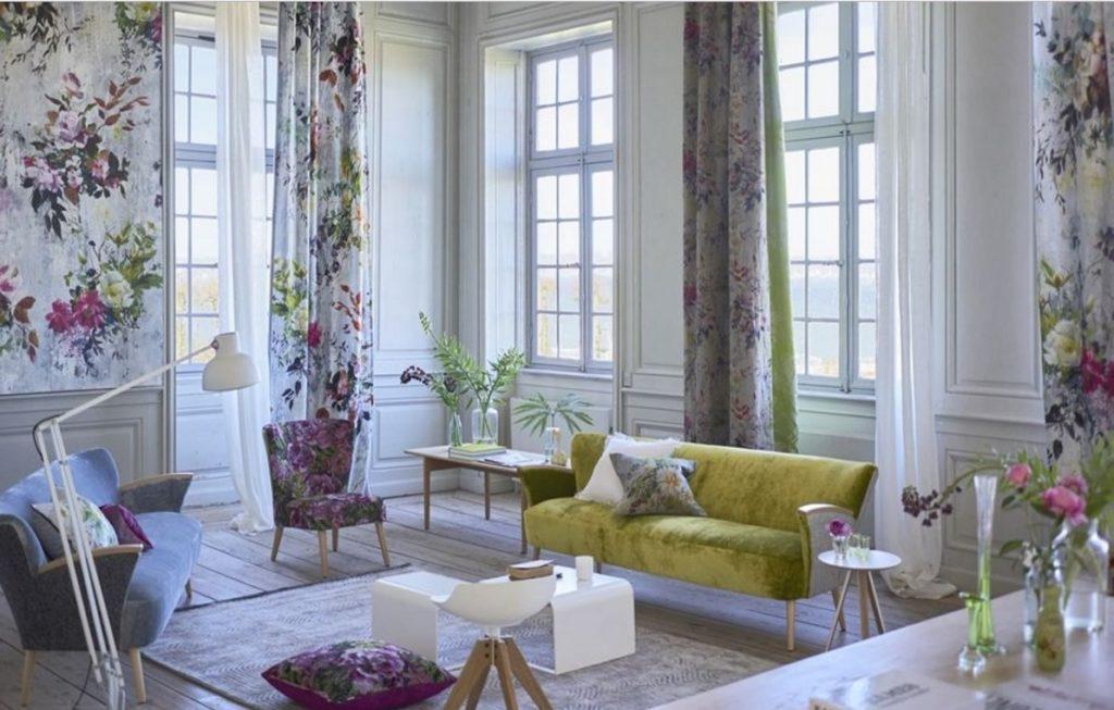 Moderní bytový textil ve světlých barvách se vzorem
