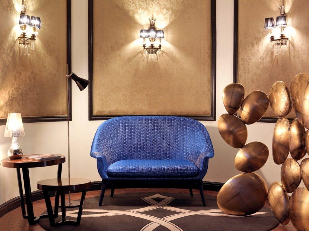 Luxusní bytový textil v královsky modré barvě