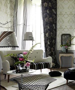 Moderní bytový textil v černé a bílé barvě se vzorem