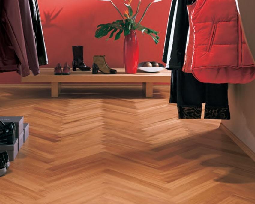 Dřevěná podlaha v přírodní barvě 5