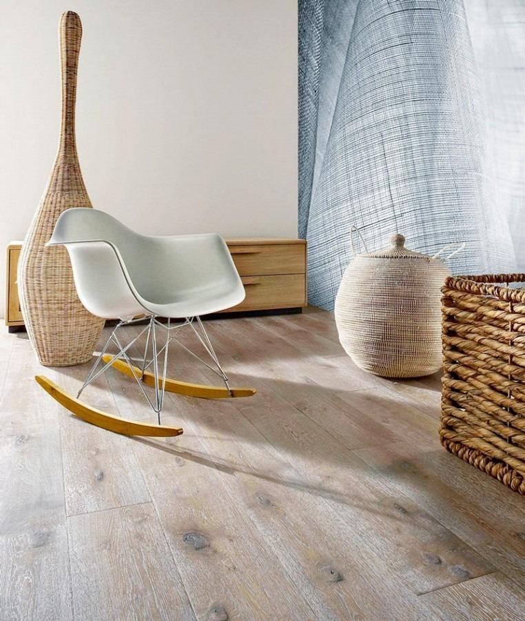 Dřevěná podlaha v přírodní barvě 4