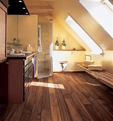 Dřevěná podlaha v tmavé barvě 3