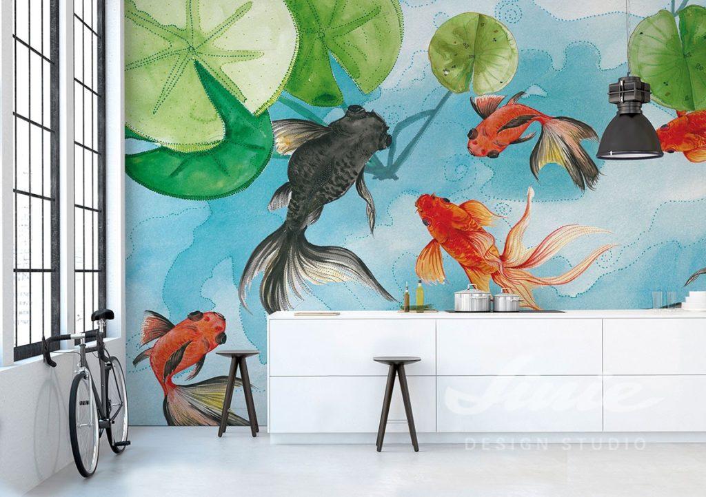 Fototapeta s přírodním motivem a komoda s dekoracemi