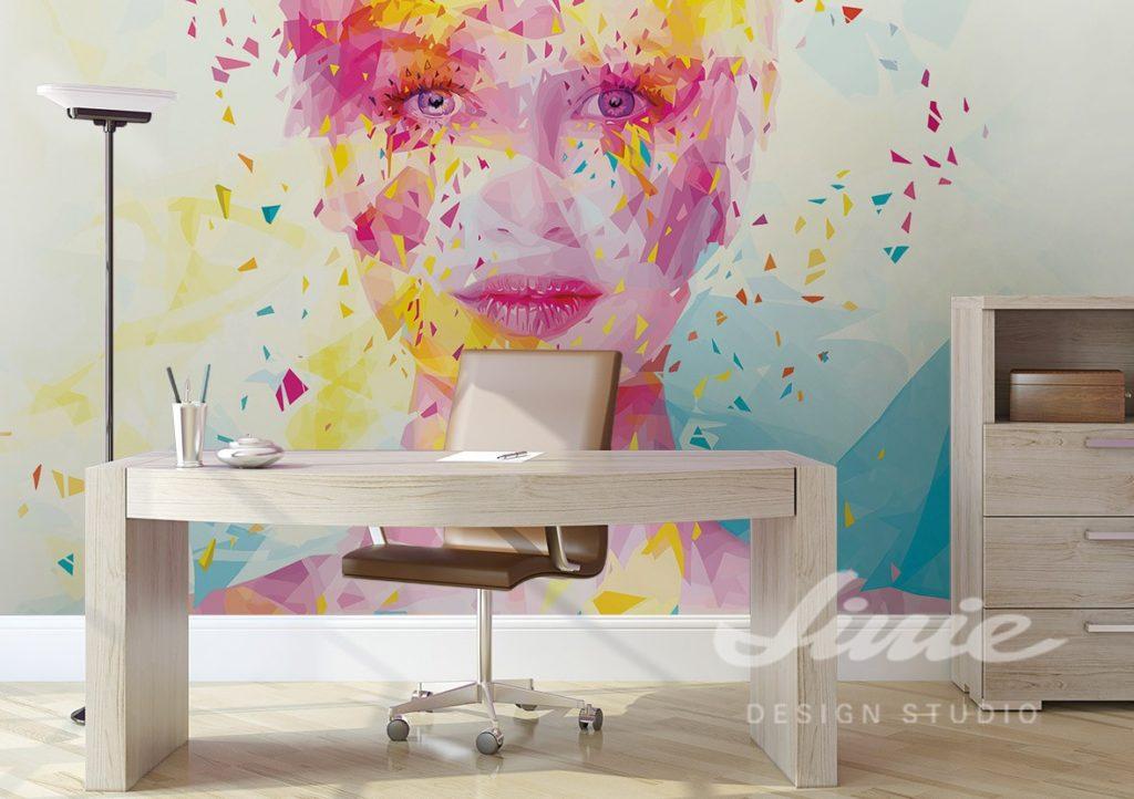 Nástěnná samolepka barevného obličeje a psací stůl s dekoracemi