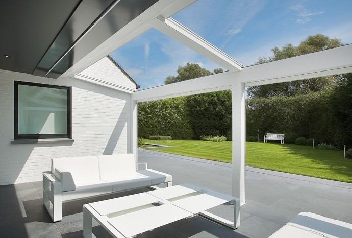 Pergola bílá s prosklenou střechou
