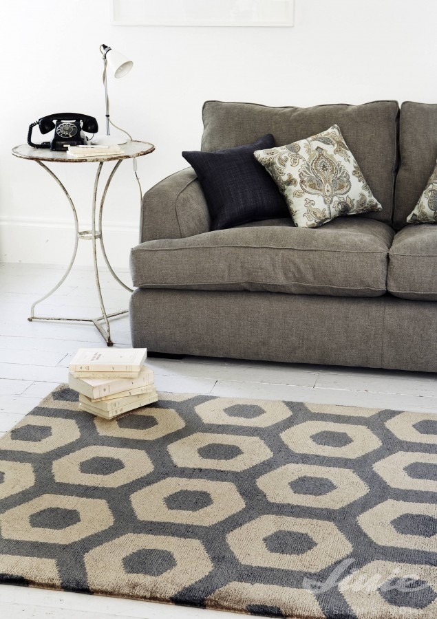 kusový koberec s retro geometrickým vzorem