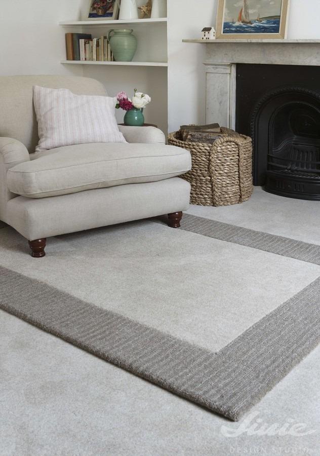 kusový koberec šedý s lemem
