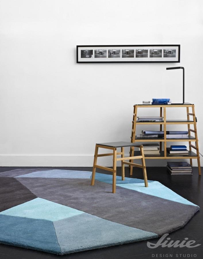 kulatý modrý koberec