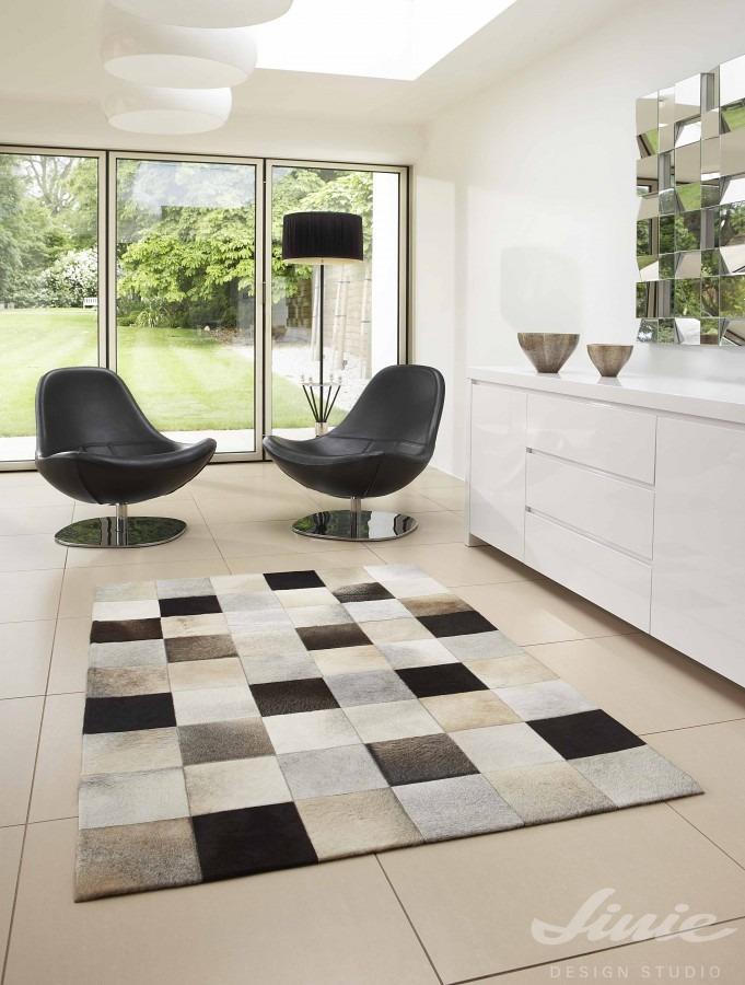 Interiérový kusový koberec s motivem šachovnice
