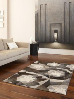 Interiérový kusový koberec s geometrickými motivy v šedých odstínech