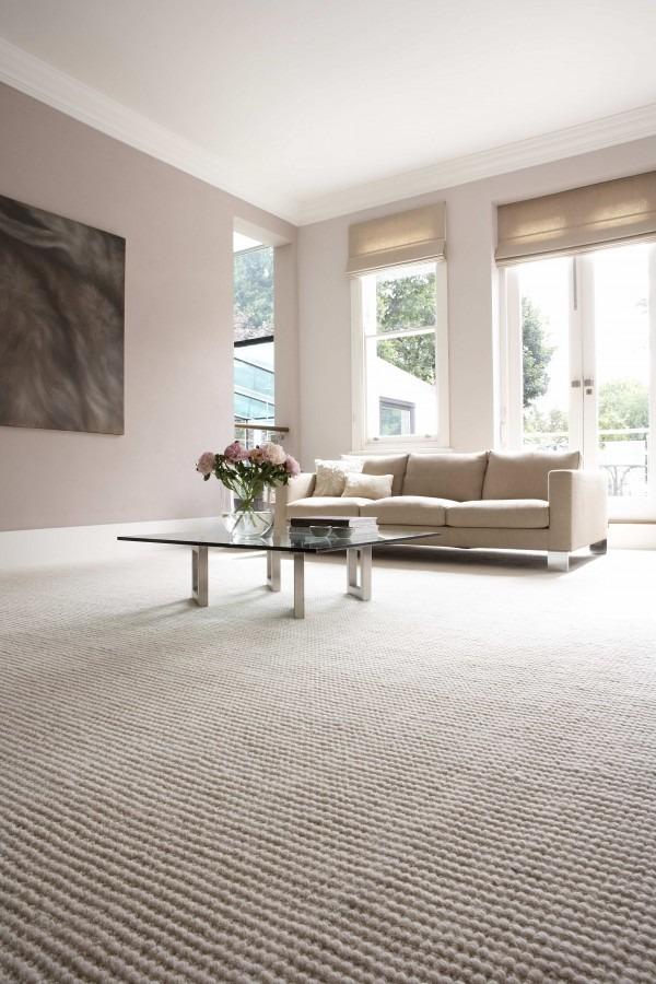 Interiérový koberec v béžových tónech