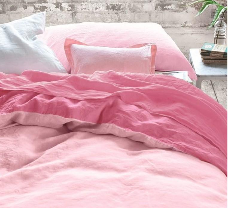 Ložní souprava v pastelovém odstínu růžové