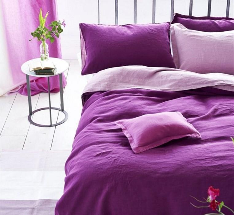 Ložní souprava ve fialových odstínech