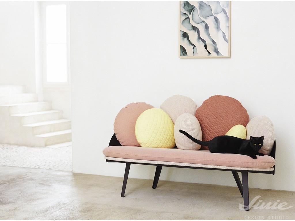 Bytový nábytek a doplňky v pastelových odstínech