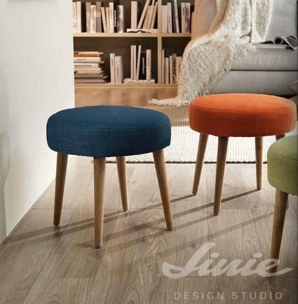 barevná stolička kulatá