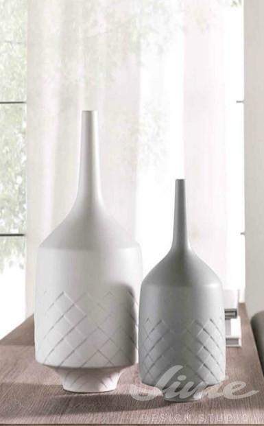 bílá a šedá designová váza Loca Nera