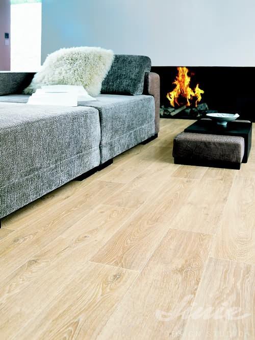 Moderní vinylová podlaha dub