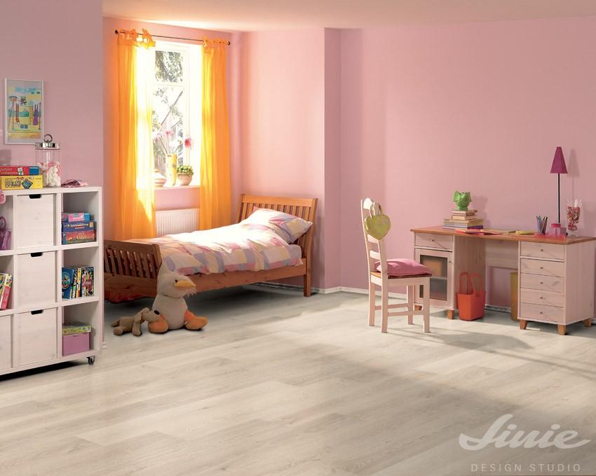 Moderní světlá podlaha do interiéru