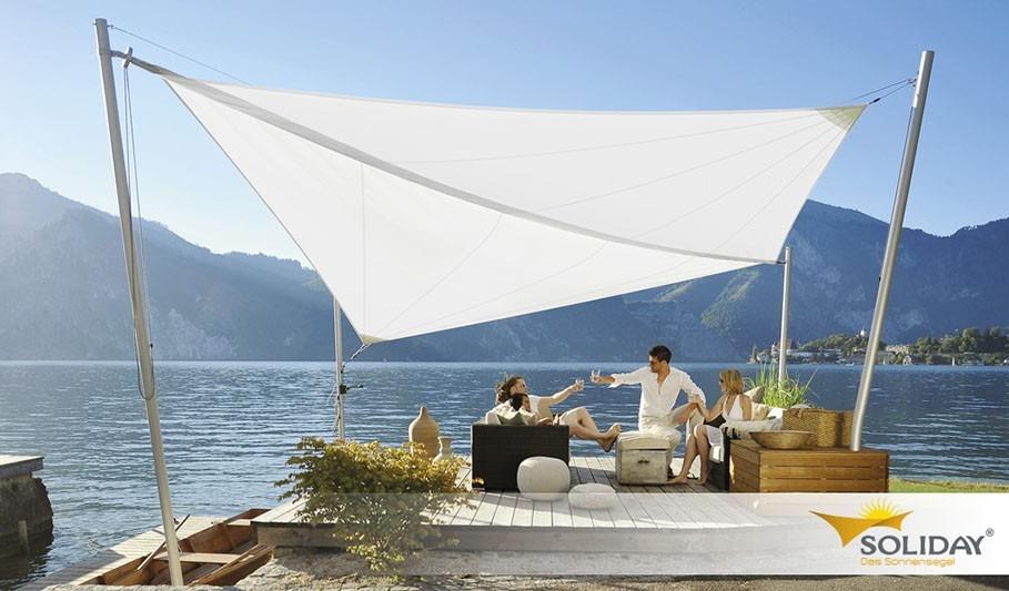 Bílá sluneční plachta na zahradu