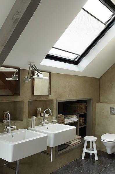 Střešní stínění v koupelně