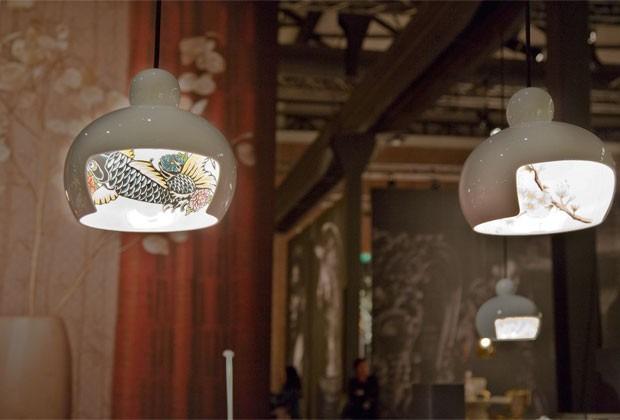 Moderní stropní osvětlení s přírodními motivy