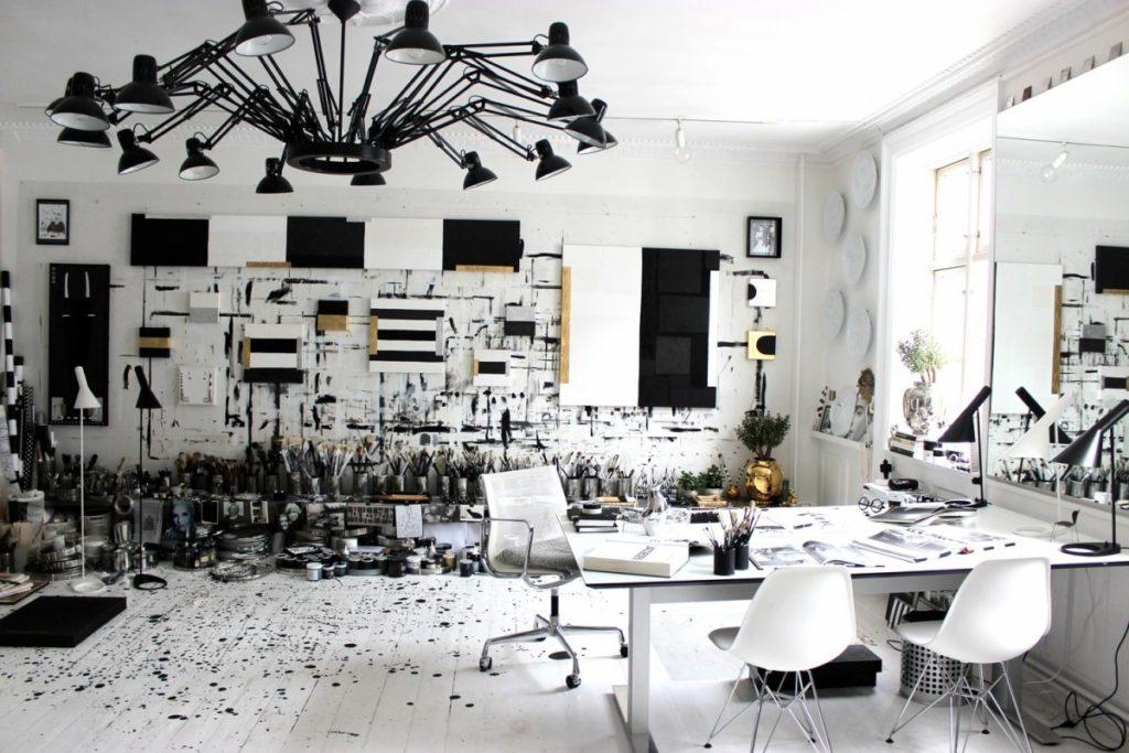 Industriální lustr v černé barvě