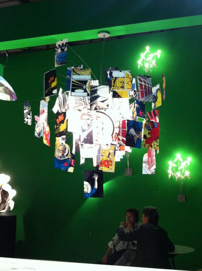 Atypické barevné stropní svítidlo v moderním stylu