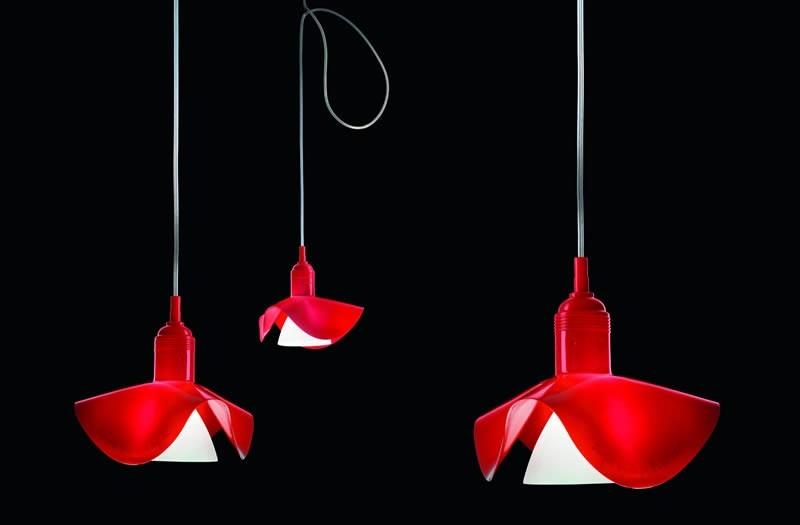 Moderní stropní svítidla v červeném provedení