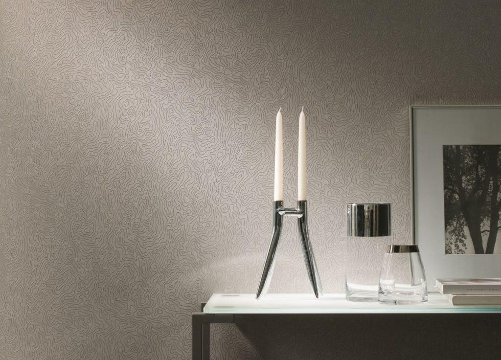 Světle béžová tapeta na zeď s tmavým žilkováním