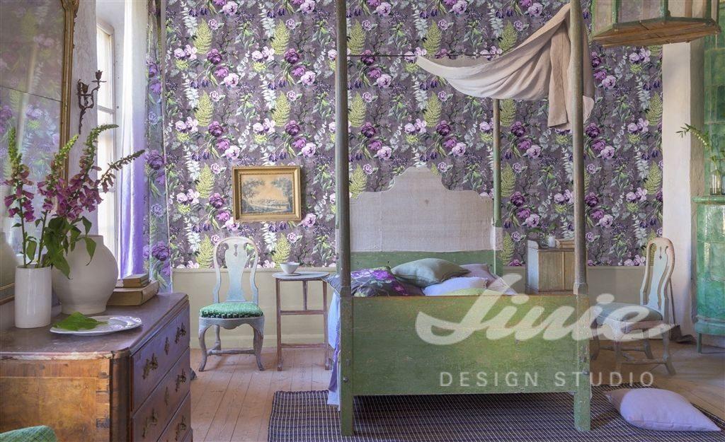 fialová Květinová tapeta na zeď s různě barevnými květinami