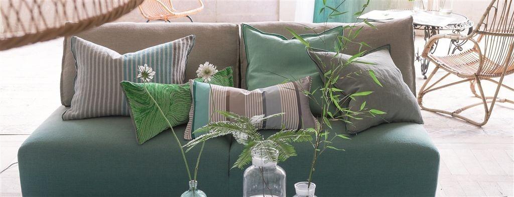 Barevné dekorační polštářky v odstínech zelené