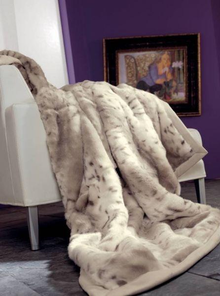 bílá luxusní kožešinová deka