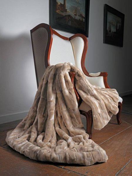 luxusní béžová kožešinová deka