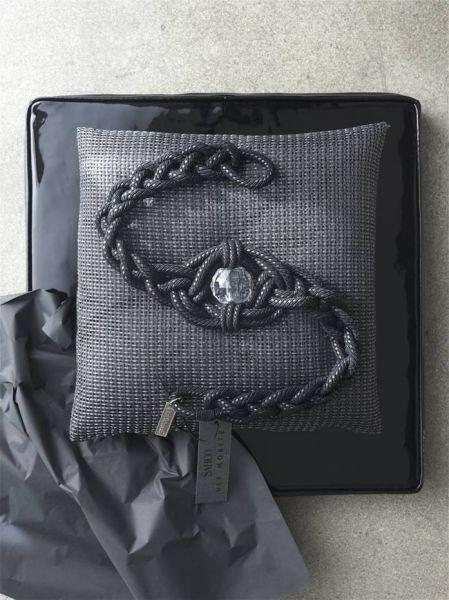 tmavě šedý luxusní úvaz na závěsy