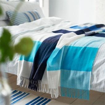 modrobílá deka designers guild