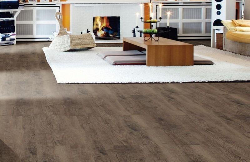 Vinylová podlaha tmavé barvy 2