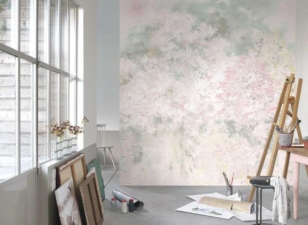 Tapeta na zeď s přírodním motivem a malířský stojan