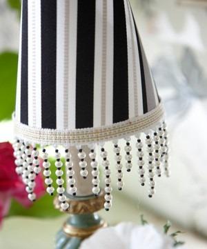Volná dekorace v černobílých odstínech