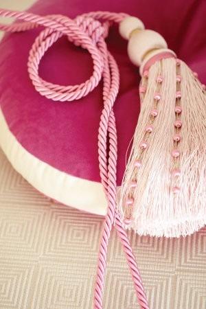 Volná dekorace béžová s růžovými prvky