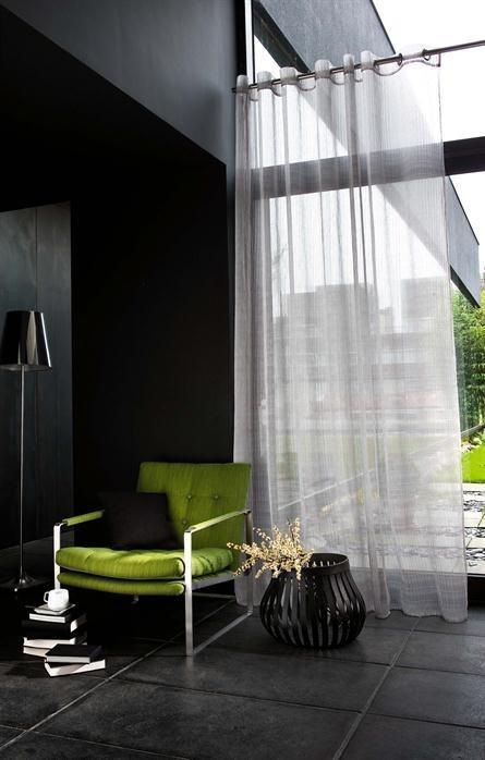 Průsvitné záclony v pudrové barvě