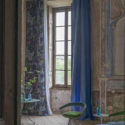 Závěsy v modrých odstínech