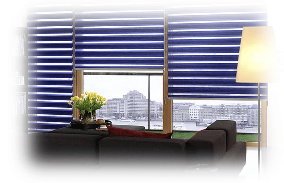 Tmavě modré zastínění oken
