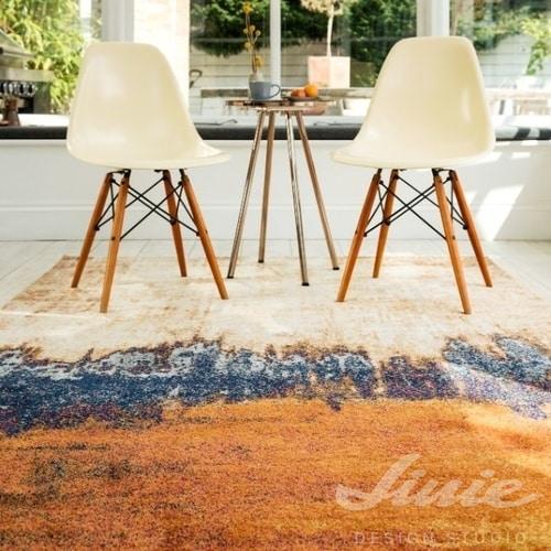 designový koberec s batikovým vzorem