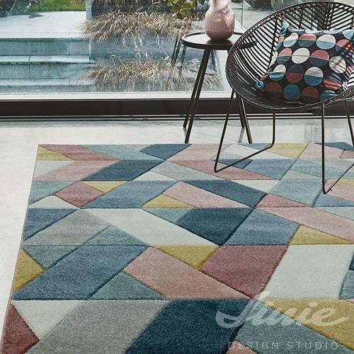 kusový koberec geometrický vzor